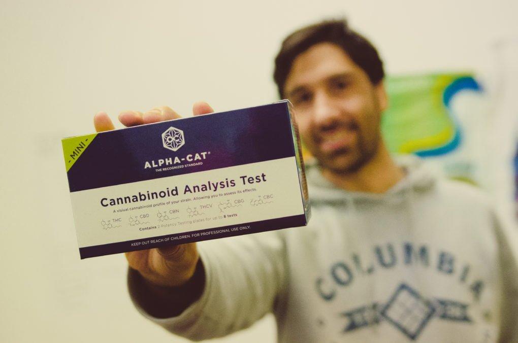 Testování obsahu kanabinoidů se Sébastienem Béguerie ze společnosti ALPHA-CAT (tyto testy budou již brzy v prodeji na www.growshop.cz a v letňanském Growcity)