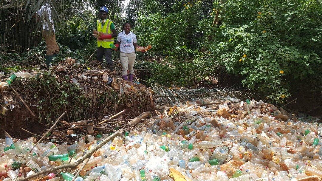 Nezakazujme jednorázové plasty, zachraňme naše oceány!